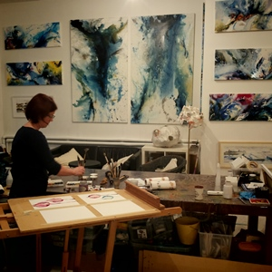 Watercolor painting in the workshop